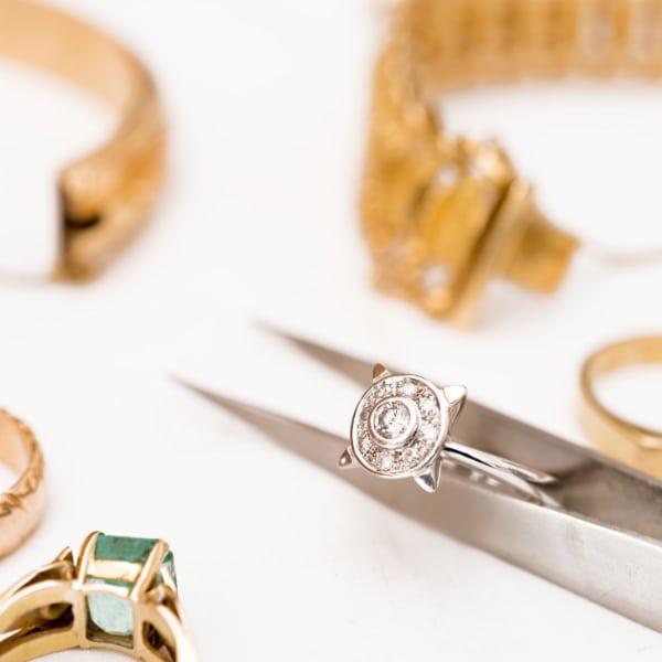 http://www.bernardsjewelers.com/wp-content/uploads/2018/09/jewelry-repair.jpg
