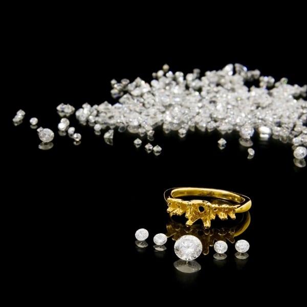http://www.bernardsjewelers.com/wp-content/uploads/2018/09/remounting.jpg